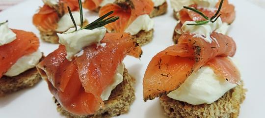 Patê de ricota com salmão defumado
